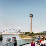 Blick über den Medienhafen auf Düsseldorf