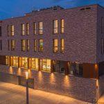Hotel Neues Pastorat - Außenansicht bei Nacht